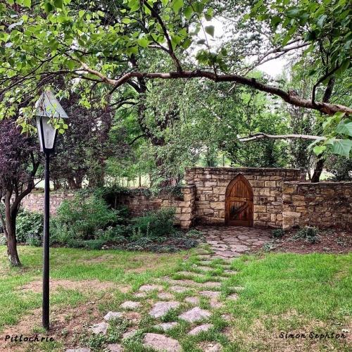 Pitlochrie - garden